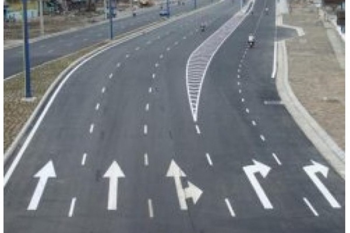 Sơn kẻ vạch giao thông