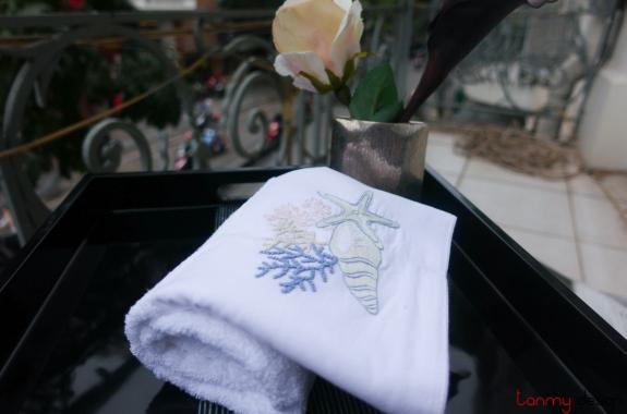 Khăn tắm thêu