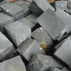 Đá basalt tẩy tay lót sân vườn, đá dậm bước