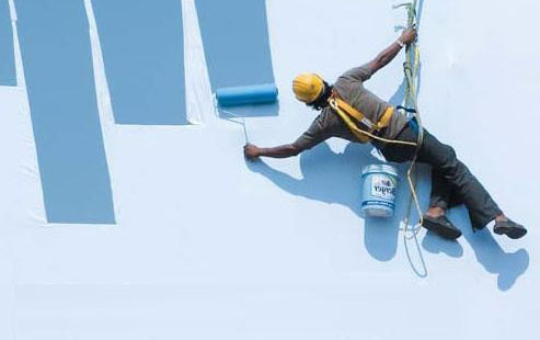 Dịch vụ sơn nước tòa nhà trên cao