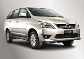 Xe tháng Toyota Innova 7 chỗ