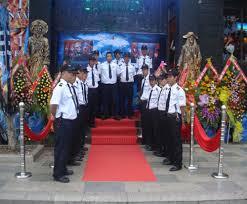 Đội bảo vệ tại Bar Ngọc Trai Đen