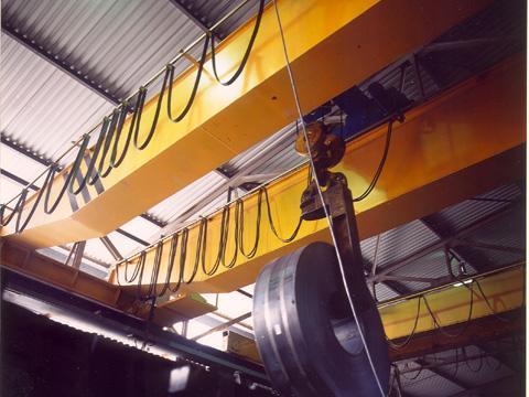 Hệ điện ngang cấp cho Pa lăng