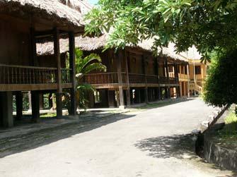 Khách sạn Nhà Sàn