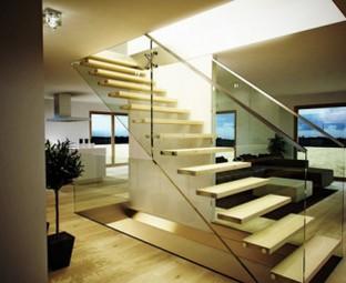 Lan can cầu thang kính hiện đại