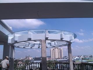 Mái kính sân thượng