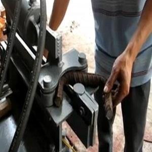 Máy cắt uốn sắt