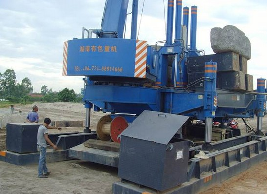 Máy ép cọc RoBot 120 tấn - 420 tấn
