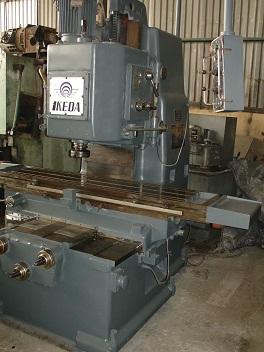 Máy phay kim loại