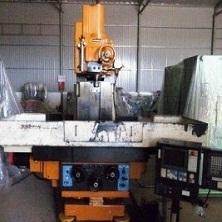 Máy tiện CNC