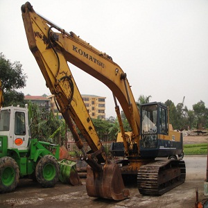 Máy xúc đào Komatsu