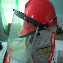 Mũ bảo hộ có gắn tấm kính che mặt