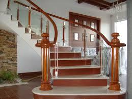 Cầu thang kính tay gỗ