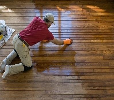 Phủ bóng, đánh bóng sàn gỗ