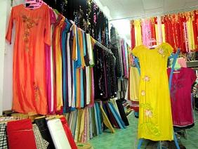 Quần áo lụa