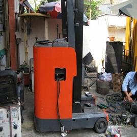 Sửa chữa, thay thế phụ tùng xe nâng động cơ điện