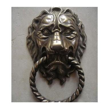 Tay nắm cửa sư tử