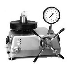 Thiết bị kiểm tra và căn chỉng đổng hồ đo áp suất