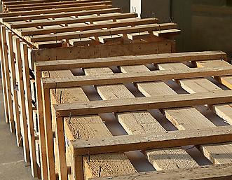Thùng gỗ nan thưa