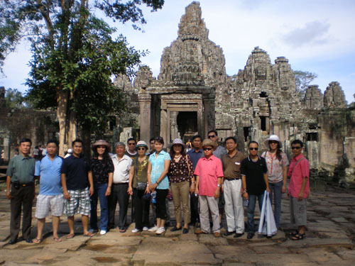 Tổ chứ tour du lịch trong nước
