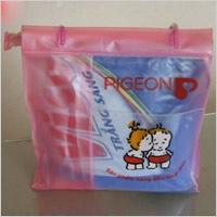 Túi xách bằng nhựa PVC
